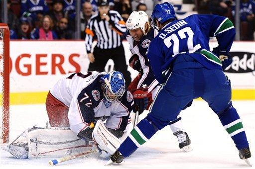 Canucks slip past Blue Jackets in shootout 1-0