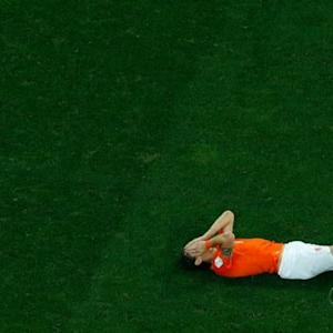 Argentina defeats Netherlands on penalty kicks