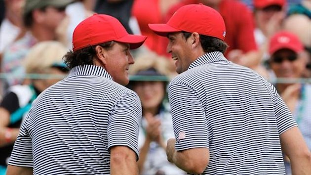Phil Mickelson and Keegan Bradley (AFP)