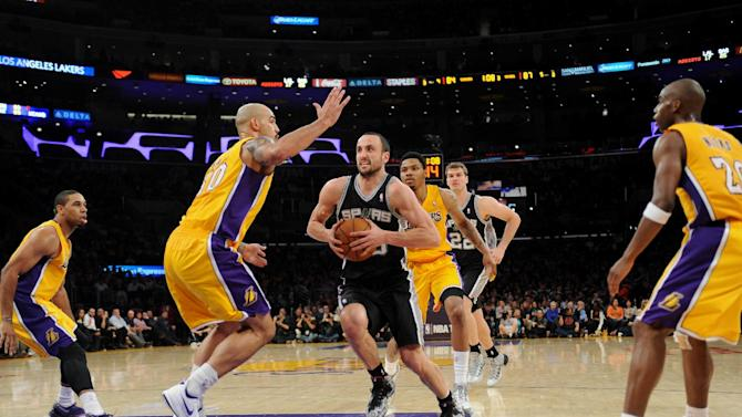 Spurs win 11th straight, 125-109 over LA Lakers