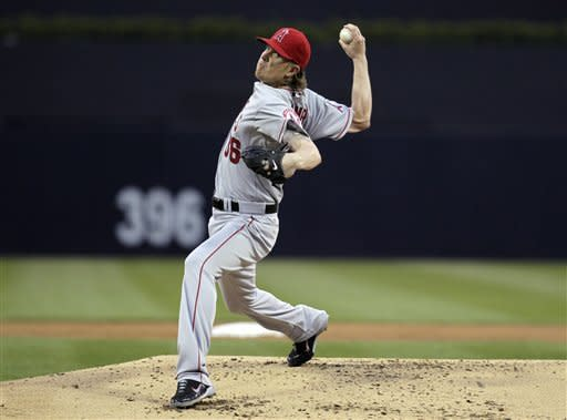 Jered Weaver pitches Angels past Padres 7-2