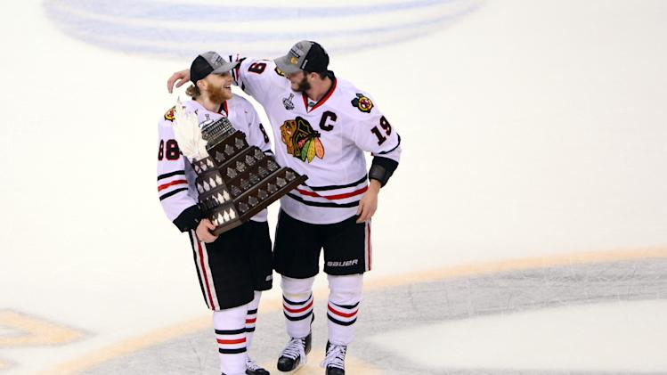Patrick Kane, Jonathan Toews sign massive 8-year, $84M deals wi…