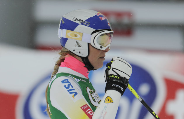 Usa&#39;s Linsey Vonn stands at finish line after crashing during the second run of an alpine ski, women&#39;s World Cup giant slalom, in Soelden, Austria, Saturday, Oct. 27, 2012. (AP Photo/Giovanni Auletta)