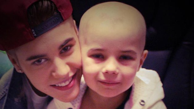 Justin Bieber Gives Private Concert to Leukemia Patient (ABC News)