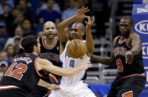 Boozer leads Bulls' bigs in 96-94 win over Magic