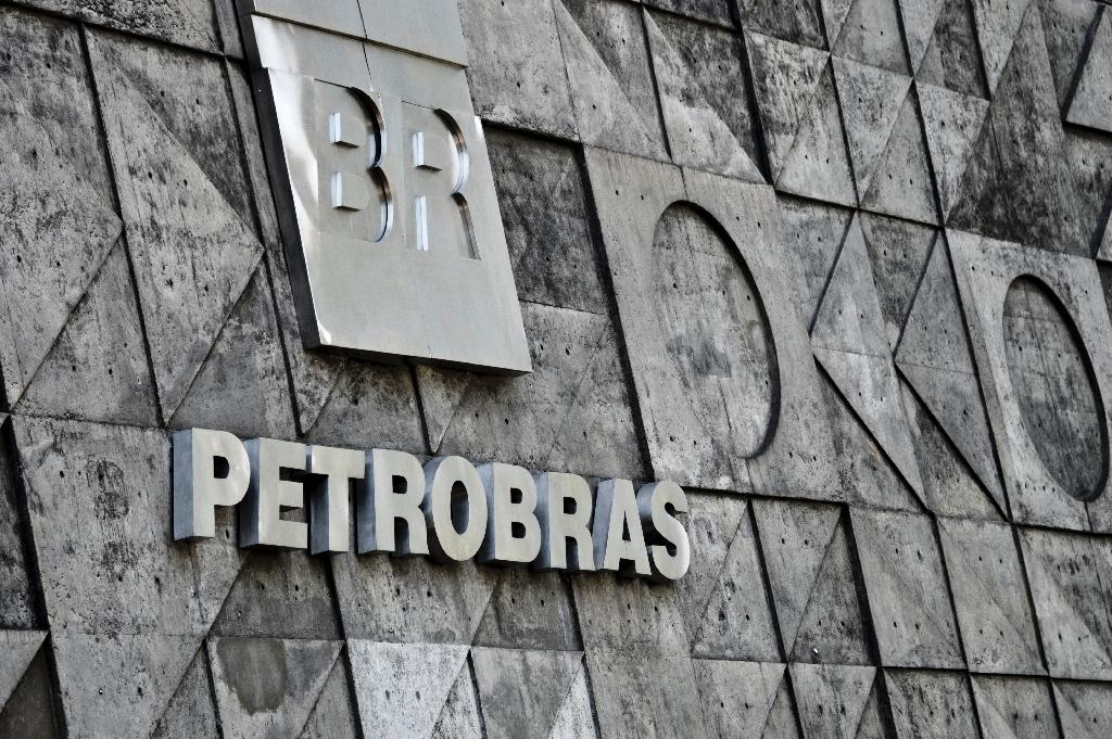 Brazil's Petrobras to release delayed earnings amid scandal