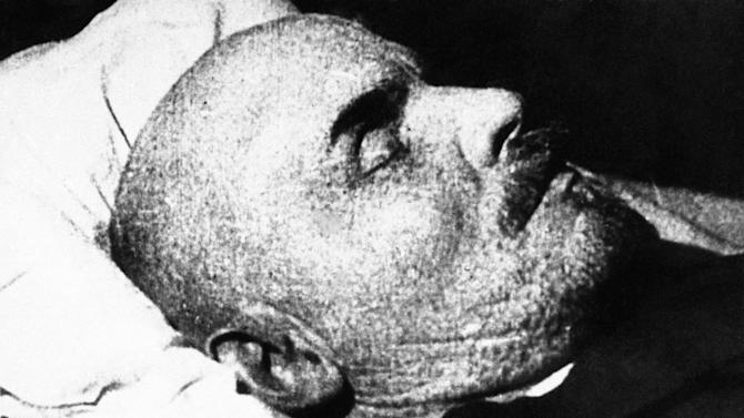 In this undated photo, Soviet leader Vladimir Lenin is seen on his death bed. Syphilis probably didn't kill Lenin. Stress, on the other hand, didn't help, and poison may have done him in. That's the conclusion of a doctor and a historian who examined medical records and other evidence for an annual University of Maryland School of Medicine conference on the deaths of famous figures. UCLA neurologist Dr. Harry Vinters and Russian historian Lev Lurie reviewed Lenin's records for an annual University of Maryland School of Medicine conference that opens Friday, May 4, 2012 in Baltimore on famous people's deaths. (AP Photo)