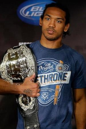 UFC on Fox 7 Results: Benson Henderson Ekes Out Split Decision Then Pops the Question