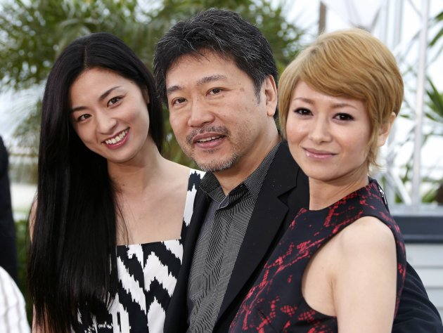 Director Hirokazu Kore-eda and cast members pose during a photocall for the film 'Soshite Chichi Ni Naru' at the 66th Cannes Film Festival