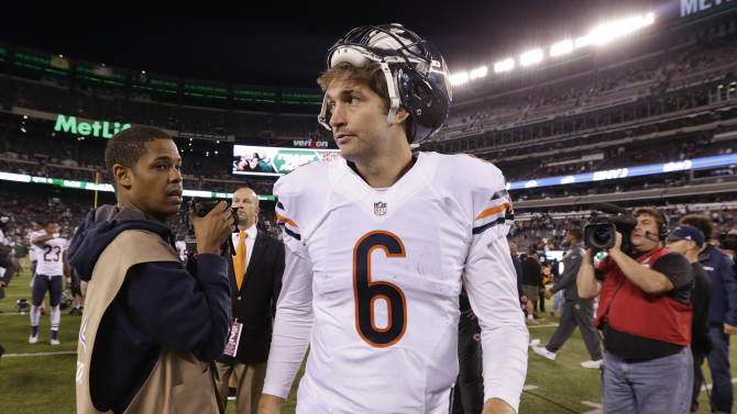 Chicago Bears quarterback Jay Cutler (6) walks off the field after the Bears beat the New York Jets 27-19 in an NFL football game, Monday, Sept. 22, 2014, in East Rutherford, N.J. (AP Photo/Julio Cortez)
