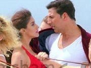 Akshay-Asin&#39;s racy number &#39;Lonely&#39; from KHILADI 786