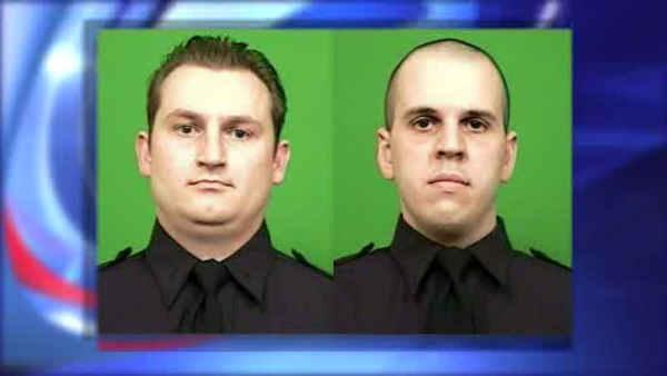 2 NYPD officers shot on Brooklyn subway