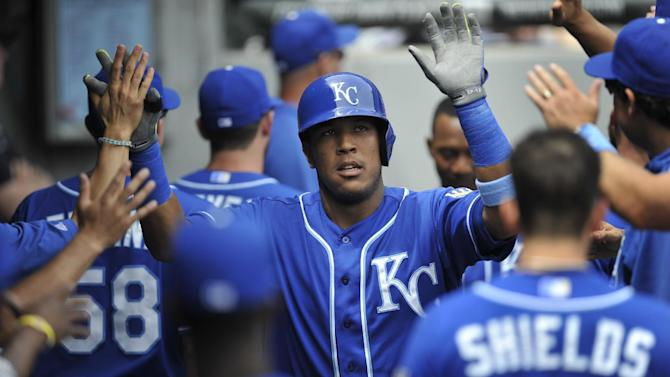 Royals' win streak at 7 after 6-3 victory