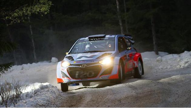 WRC - Neuville 'stayed calm' amid drama