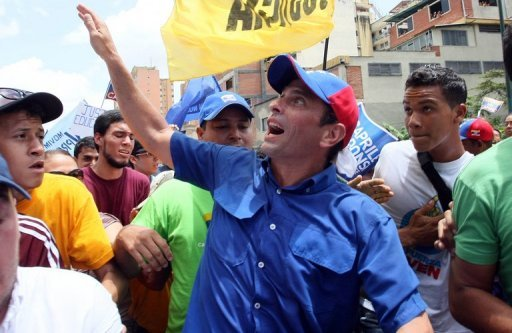 Capriles insiste con la gorra y se declara inocente