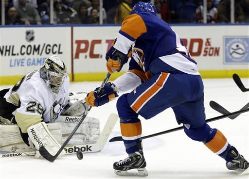Penguins hold off Isles despite 3rd-period rally