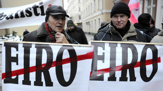 Latvia takes big step to joining euro