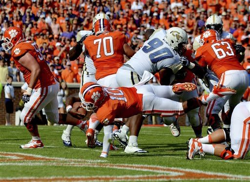 No. 15 Clemson runs and passes over Ga. Tech 47-31