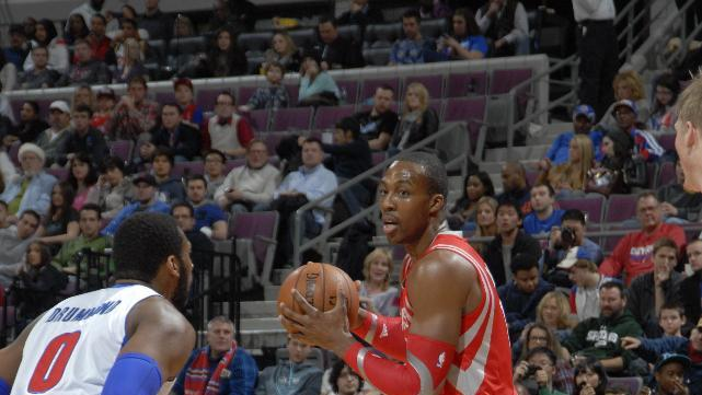 Howard dominant, Rockets roll past Pistons 114-97