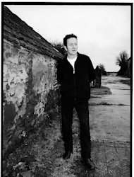 Song Premiere: Joe Strummer & the Mescaleros, 'Johnny Appleseed' (Live)