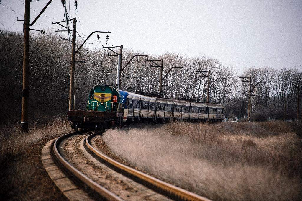 Ukraine's 'blue train' forges path through the chaos