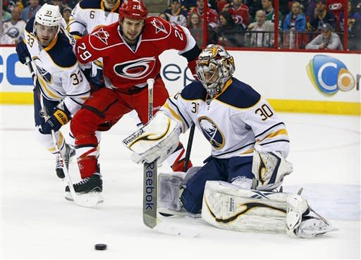 Semin, Staal lead Hurricanes past Sabres, 4-3