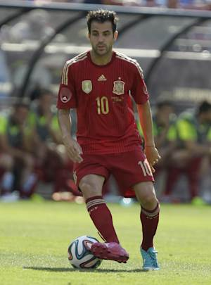 Chelsea signs Fabregas from Barcelona