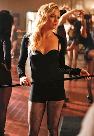 Kate Hudson Flaunts Cleavage, Long Legs in Glee's Grease Episode