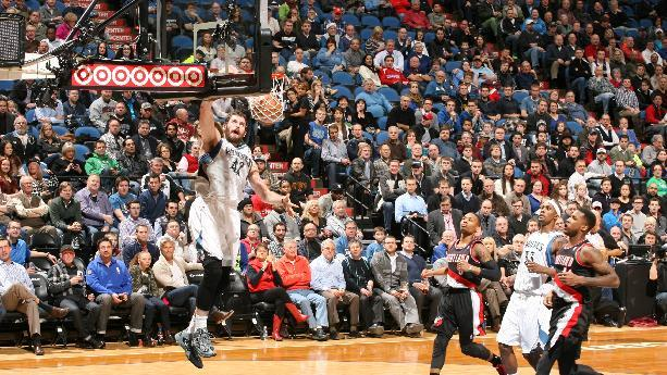 Love outplays Aldridge to lead Wolves past Blazers