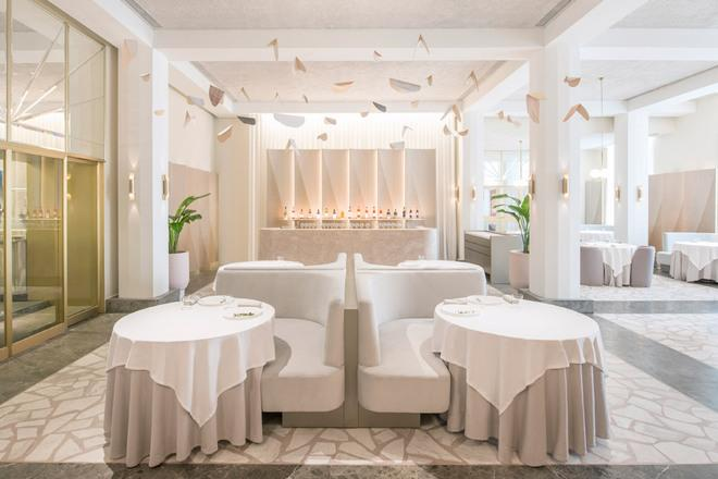 New Singapore Restaurant Features Dashing Pink Interiors, Defying a Trend