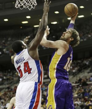 Los Angeles Lakers forward Pau Gasol (16) of Spain shoots over Detroit Pistons forward Jason Maxiell (54) during the first quarter of an NBA basketball game at the Palace of Auburn Hills, Mich., Sunday, Feb. 3, 2013. (AP Photo/Carlos Osorio)