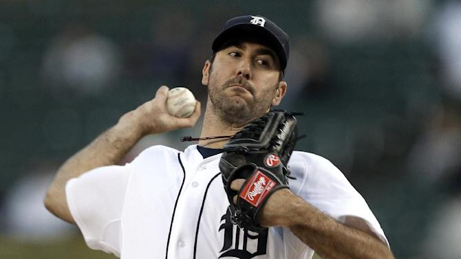 Detroit Tigers starting pitcher Justin Verlander throws against the Kansas City Royals in the first inning of a baseball game in Detroit, Monday, Sept. 24, 2012. (AP Photo/Paul Sancya)