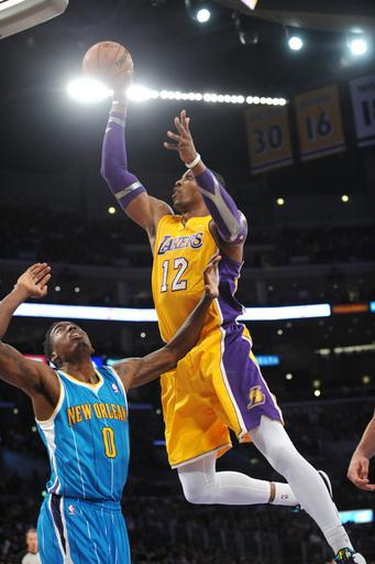 Lakers edge Hornets 111-106 for 3rd straight win