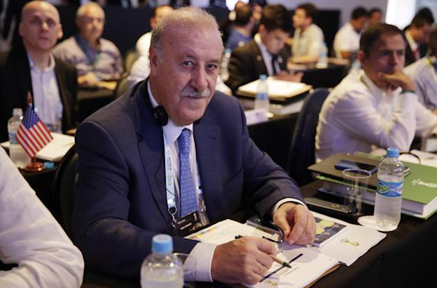 Spain head coach Vicente Del Bosque waits for the beginning of a seminar one day before the draw for the 2014 soccer World Cup in Costa do Sauipe near Salvador, Brazil, Thursday, Dec. 5, 2013