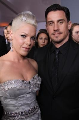 Pink and husband Carey Hart on the Grammys red carpet, Los Angeles, January 31, 2010 -- Access Hollywood