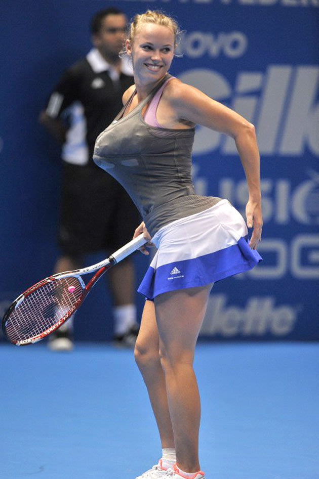 does her best impression of Serena Williams (Photo: Eurosport