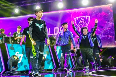 League of Legends Worlds 2015 scores: Flash Wolves upsets KOO Tigers to win Group A, Tigers also advance