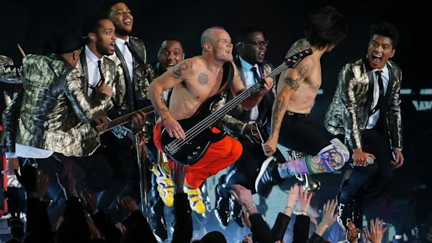 The Most Controversial Thing About the Bruno Mars and Red Hot Chili Peppers Super Bowl Halftime Show (ABC News)
