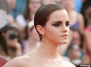 Emma Watson in Bottega Veneta: we're in love.