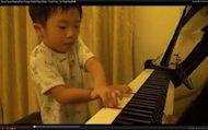 "Screenshot from ""Tsung Tsung Amazing Piano Prodigy Grade5 Piano (5Age) - Flood Time - Air Taught By邱世傑"""