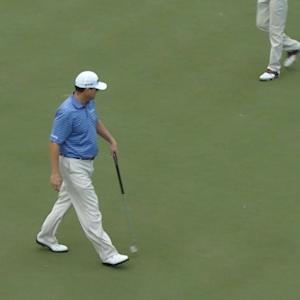 Chad Campbell sinks a 30-foot birdie putt at The RSM Classic