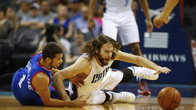 Jefferson leads Bobcats over 76ers 111-105