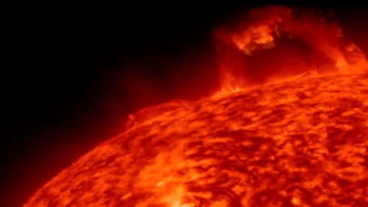 2 massive solar eruptions caught on video