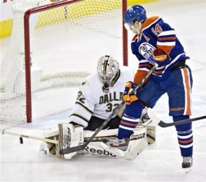 Lehtonen leads Stars to 4-1 win at Oilers