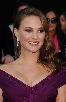 Natalie Portman arrives to the 2011 Oscars  -- Getty Images