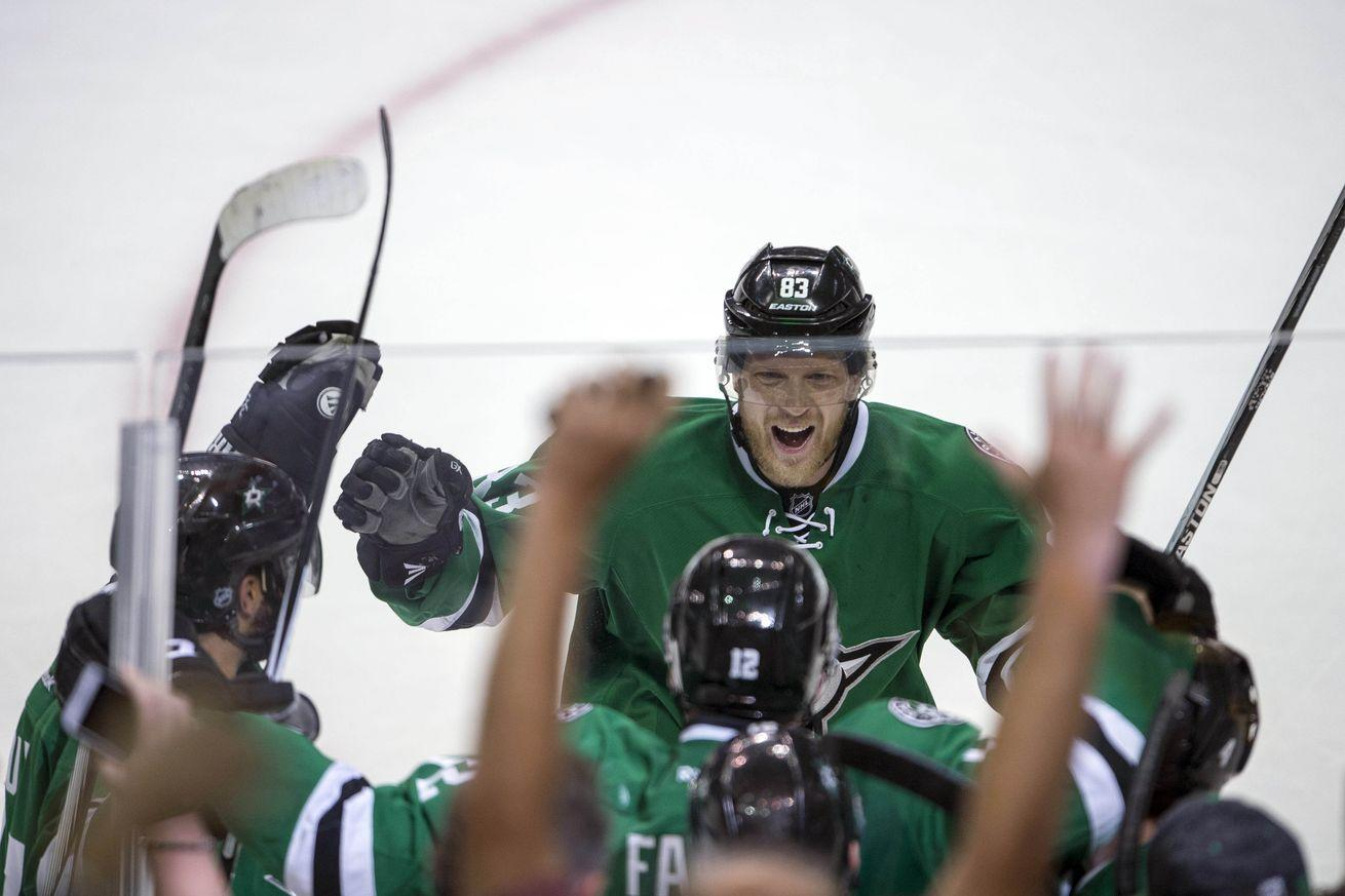 NHL playoffs Sunday: Stars, Sharks look to extend series leads at home