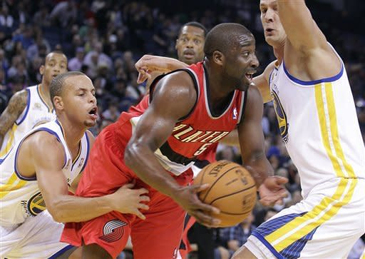Curry has 32 points, Warriors top Blazers 101-93