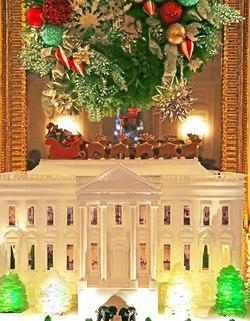 Home Sweet Home: This Year's Edible White House Boasts American Flag, Two Dogs