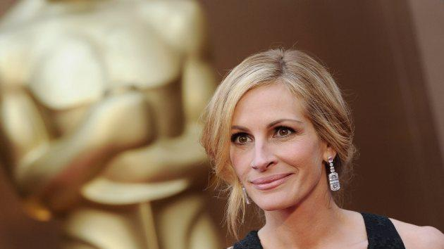 Julia Roberts arrives at the 86th Annual Academy Awards at Hollywood & Highland Center on March 2, 2014 in Hollywood -- Getty Images