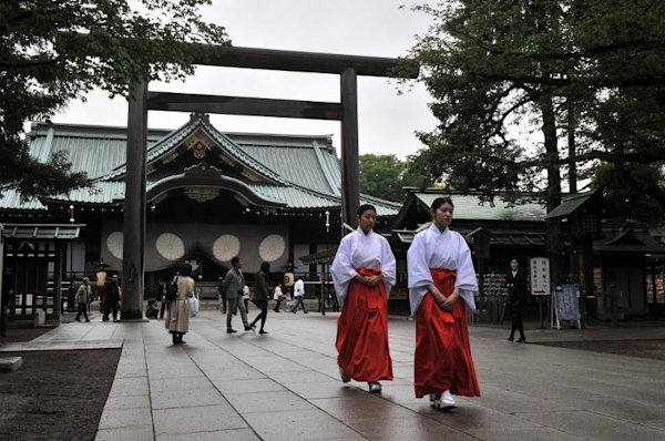 Japan PM makes offering to war shrine, but skips visit